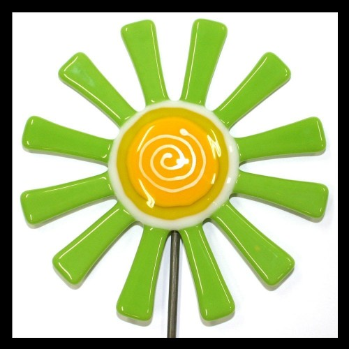 Glassworks Northwest Lime Green Daisy Stake